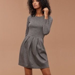 Aritzia // Talula // Grey Lambeth Dress